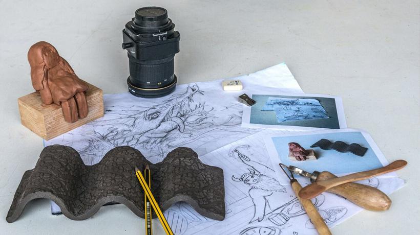 Mostres dels alumnes de fotografia, ceràmica i il·lustració i còmic de l'EME