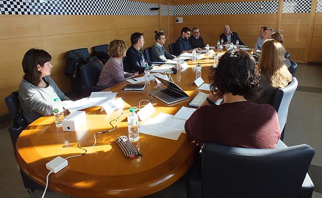 Reunió de la comissió d'estudi de la segona biblioteca d'Olot.