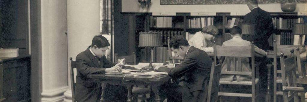 Biblioteca 100 anys_1