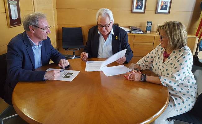 Donació del Fons de la Família Trincheria a l'Ajuntament d'Olot.