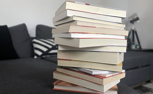 Més de 5.000 títols de la Biblioteca Marià Vayreda estan repartits en cases d'Olot i la Garrotxa.