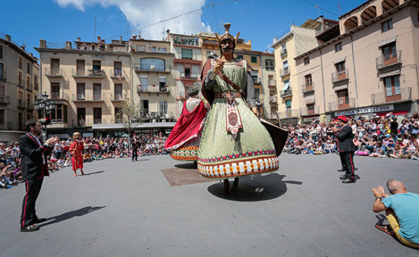 Ball dels gegants d'Olot. Foto: Martí Albesa