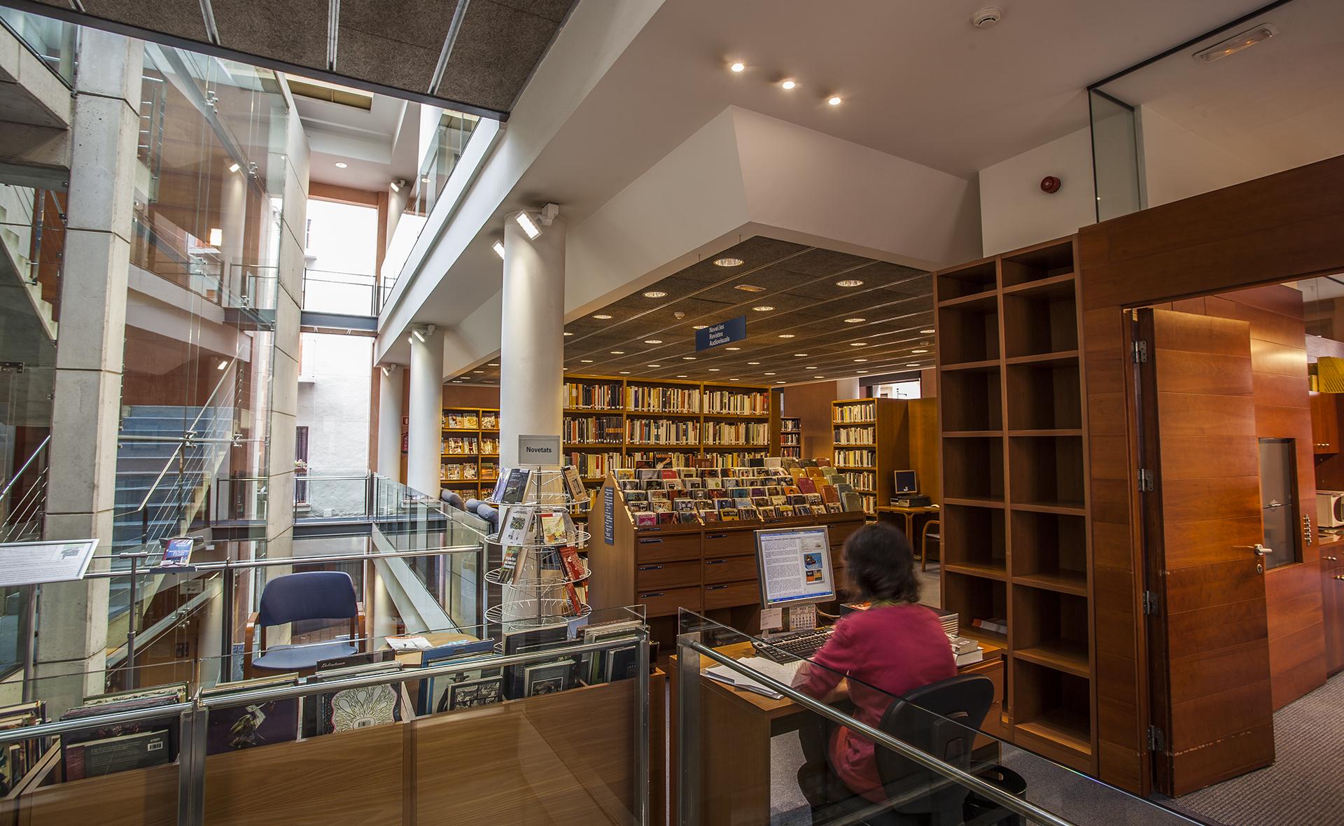 La Biblioteca Marià Vayreda torna a obrir les sales de consulta sense cita prèvia