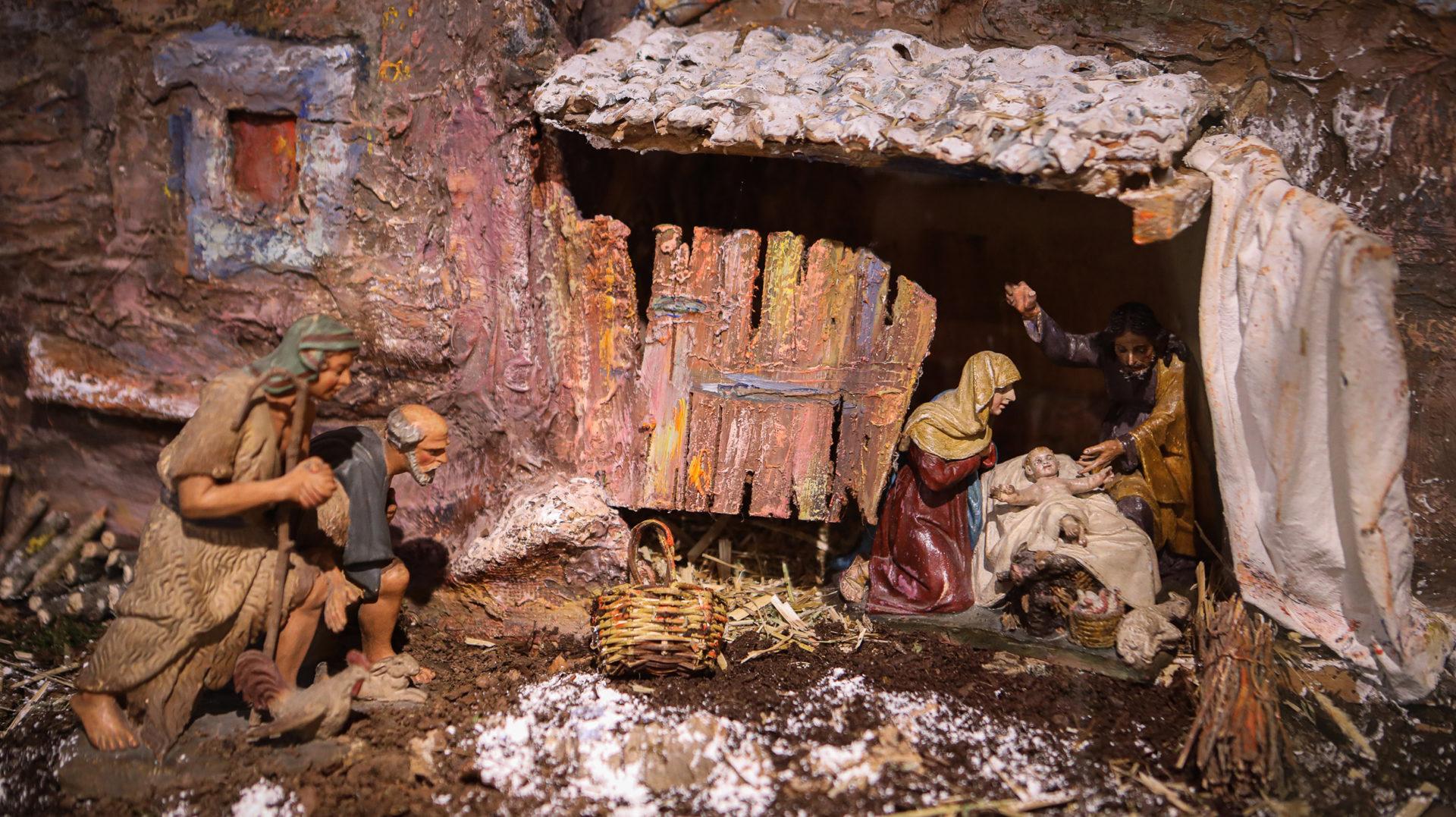 Pessebre familiar amb figures del fons Renart