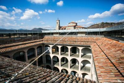 Teulat de l'edifici de l'Hospici. Foto: Martí Albesa.