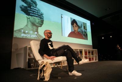 Conversa entre Alícia Kopf i Eloy Fernández Porta, al Festival MOT. Foto: Martí Albesa