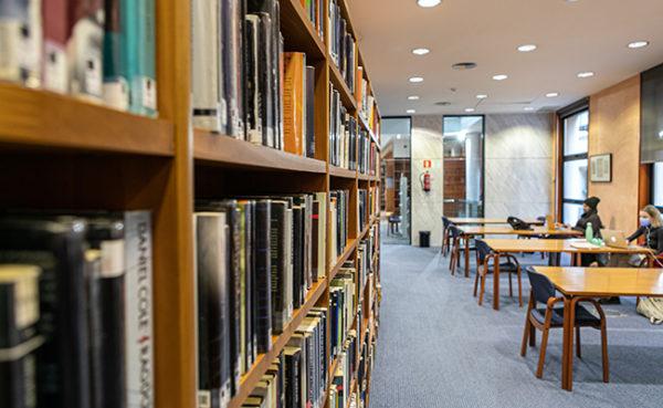 biblioteca Marià Vayreda d'Olot.