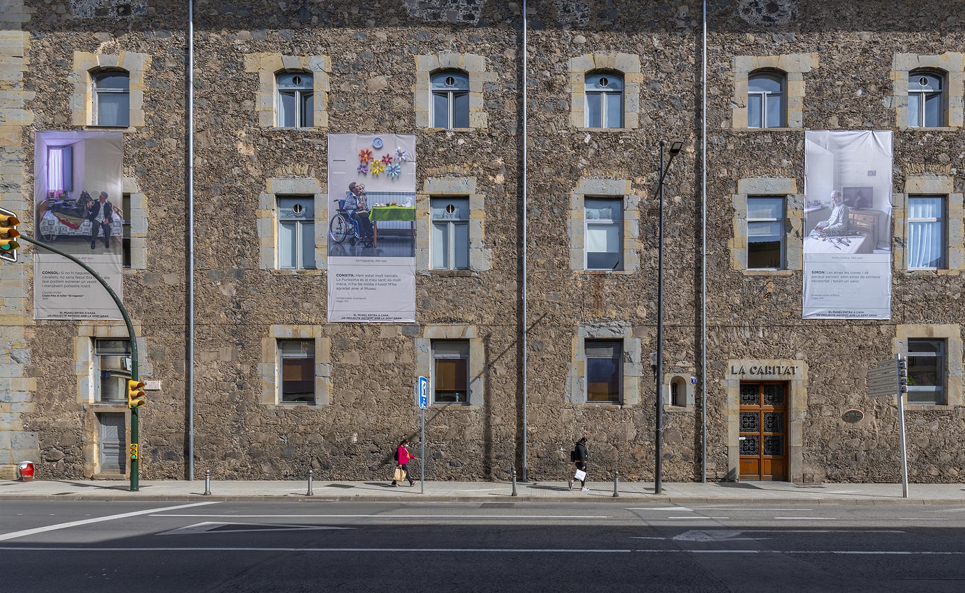 Els Museus d'Olot entren a casa dels veïns de La Caritat i El Montsacopa