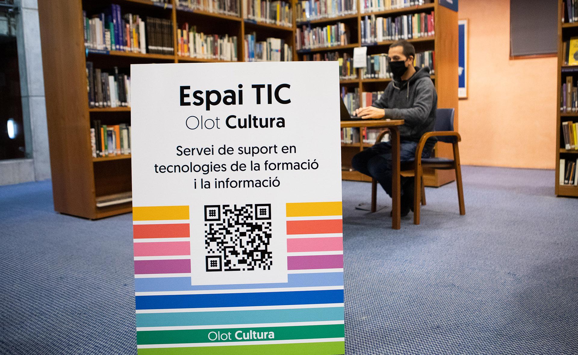 L'Espai TIC, un servei per ajudar a reduir l'escletxa digital