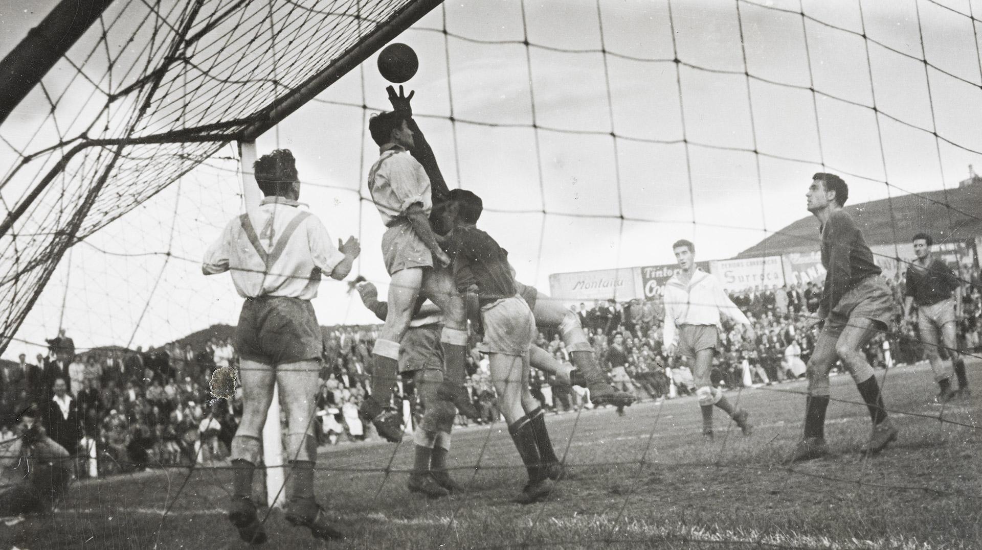 """Inauguració de l'exposició """"Olot. Cent anys d'un club de futbol"""""""